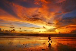 Gambar sore hari di pantai