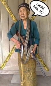 Meme nenek nenek gaul paling lucu