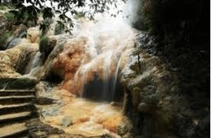 Wisata Alam Gua Sarabadak